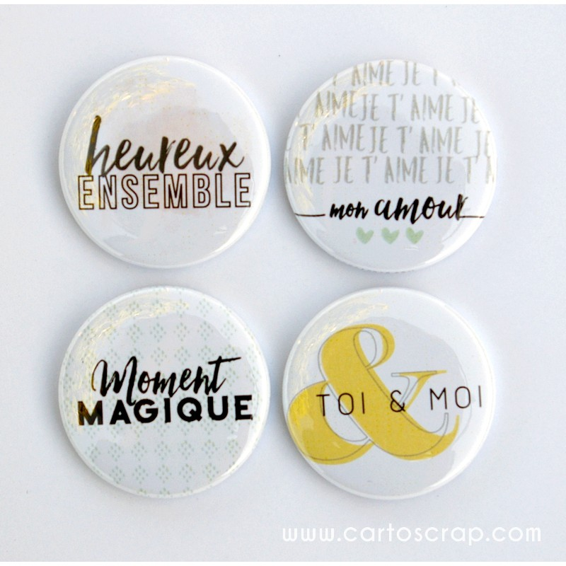 Lot de 4 badges 38mm CartoScrap - Ensemble