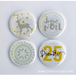 Lot de 4 badges 38mm CartoScrap - Noël