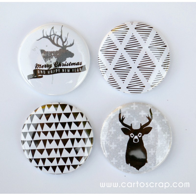 Lot de 4 badges 38mm CartoScrap - Merry Christmas